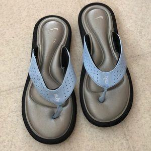 324583a0956c Women s nike sandal